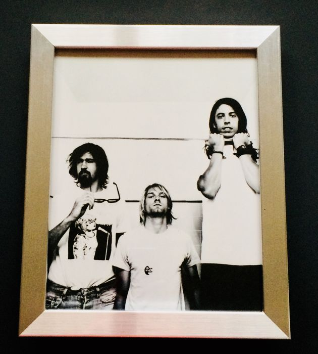 Nirvana - Limited Reproduction Authentic Professional Photo ( 20x25 cm ) - Premium Aluminium Framed