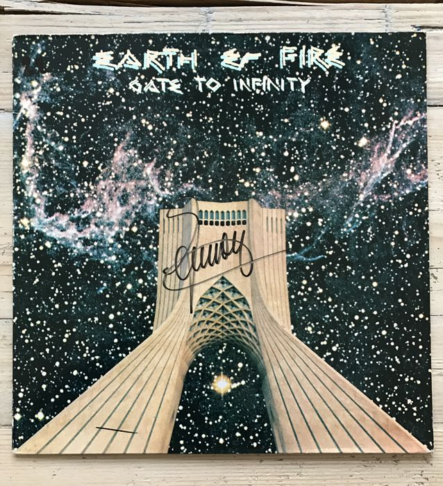 """Earth & Fire : LP album """"Gate to Infinity"""" signed by Jerney Kaagman"""