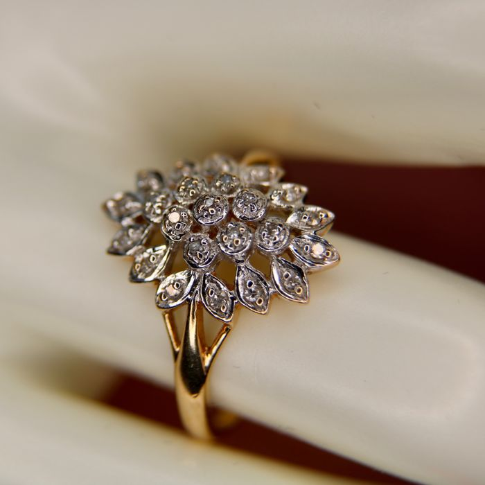 14 kt. Yellow/White gold marquise ring with brilliant cut diamonds 0,16 ct.  - size 18mm