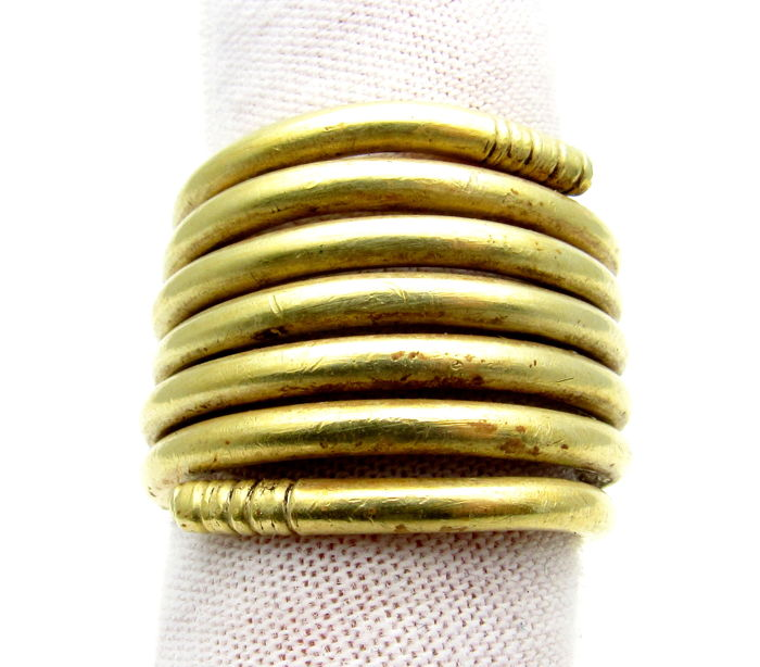 Ancient Bronze Age (European) Gold Coiled Ring - Extremely Rare Item - 27 grams