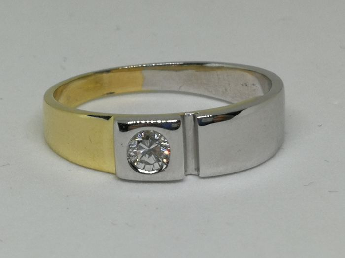 18 kt (750) gold ring - Diamond of 0.10 ct - size 16