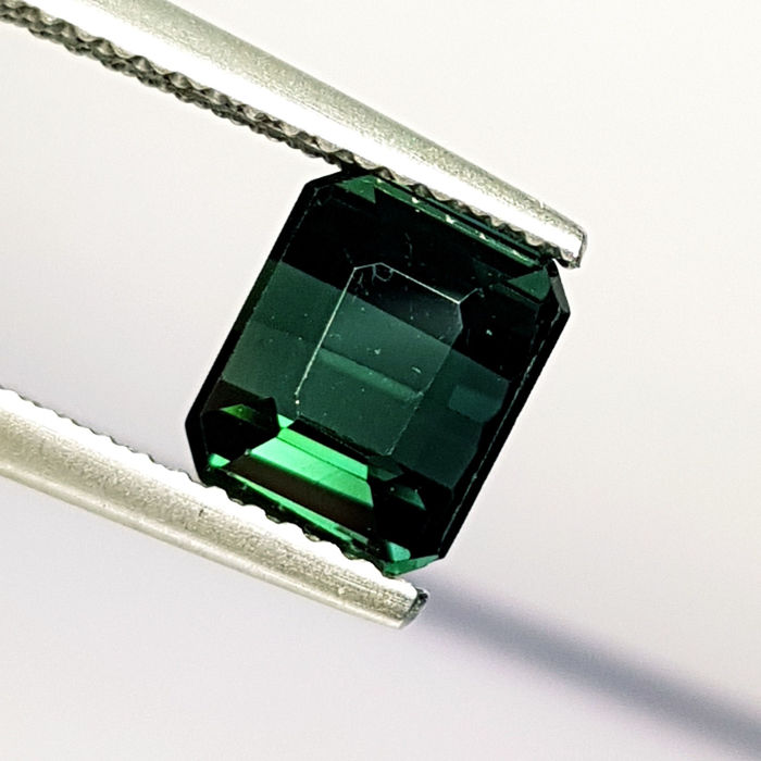 Green Tourmaline - 2.23 ct