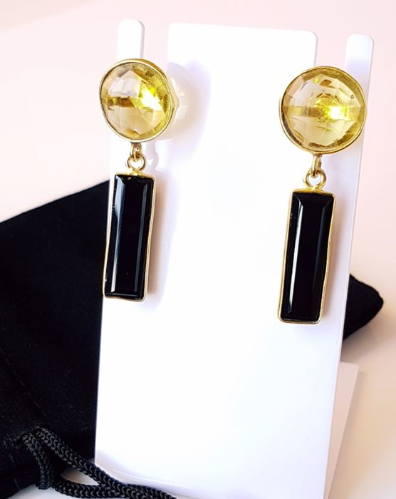 18K gold earrings, inlaid with faceted citrines and baguette black onyx, handiwork.