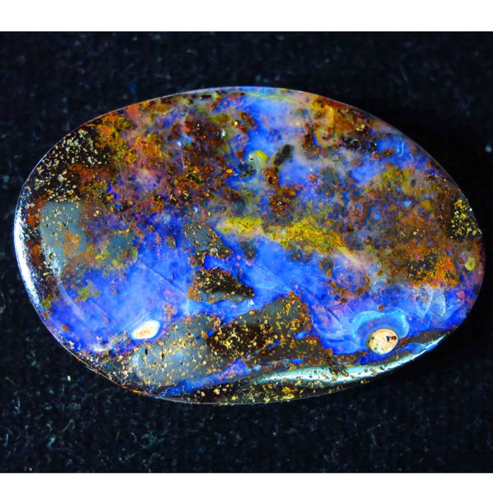 Fine quality see blue antique Australian Opal 32x22x5mm - 33.50 cts