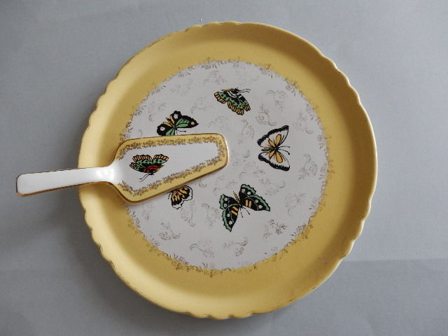 Orchies, Vintage - Magnificent butterfly dish with its beautiful ceramic cake server, antique from Moulin des Loups