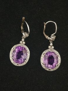 Earrings in 18 kt white gold with amethyst (14.5 ct) and diamonds (0.65 ct)