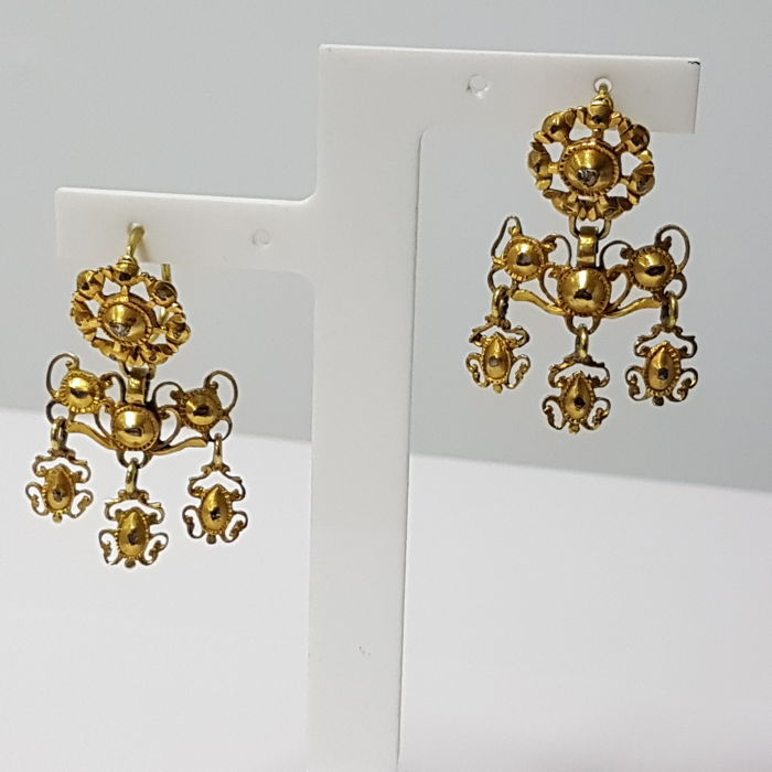 Gold 22 kt Earrings and Diamonds Late 18th Century