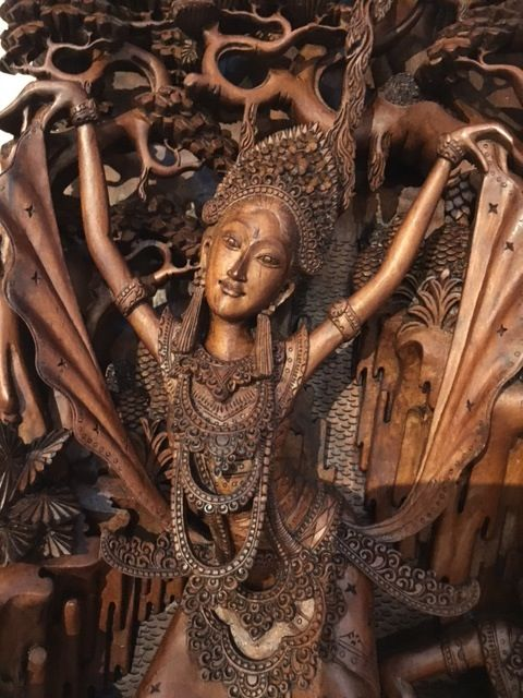 Superb wooden panel (signed Ardita), Bali - Indonesia - 2nd half of the 20th century (46 cm)