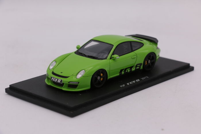 Spark - 1/43 - RUF RGT 8 - 2012 - Color: Green