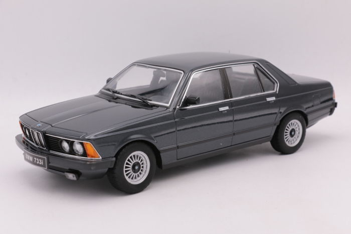 KK Scale Models - Scale 1/18 - BMW 733i ( E23) - 1977