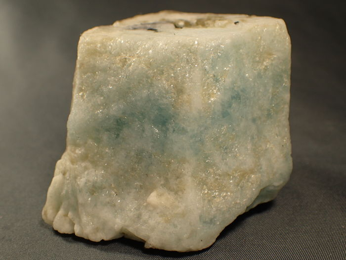 Very good untreated sky blue aquamarine crystal, Healing Stone - 90.62 x 81.75 x 72.28 mm - 485 g - 2425 ct