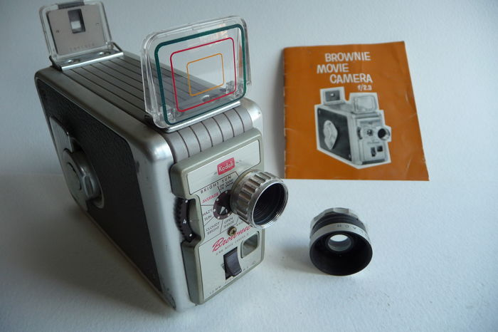 Kodak  Brownie 8mm movie camera 2, met extra groothoek lens, ca 1959