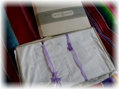 2 snap sheets, 2 pillows with embroidery and monograms from around 1920