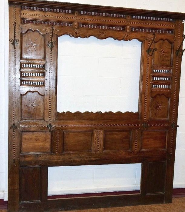 Piece of furniture for a hall, great to decorate a wall Solid Breton oak, richly inlaid - Italy - ca. 1860 -1900