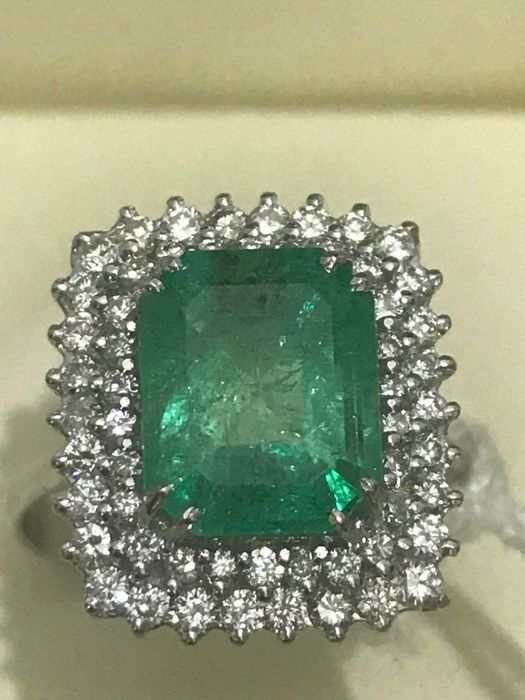 Ring with Princess Emerald