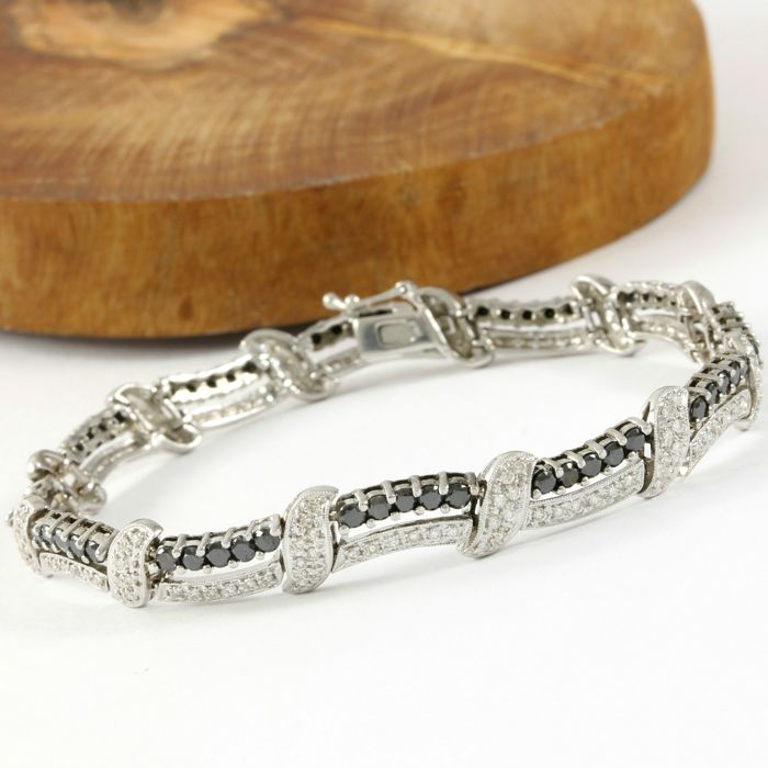 14kt White Gold Tennis Bracelet with 4.00 ct Black Diamond and 2.50 ct H-I, SI1-SI2 Diamond - 19 cm