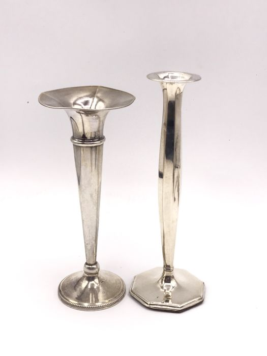 2 Antique Dutch silver carnation/fresia vases, among others: P.J. bierenbroodspot/JP Van der Starre, Amsterdam, ca.1920