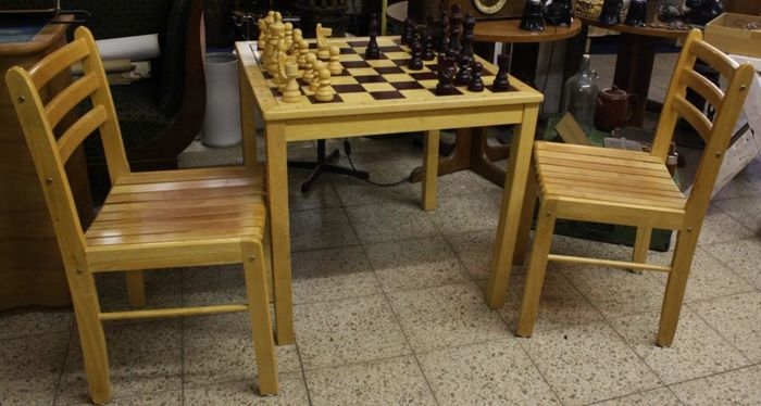 Bon Chess Table With Two Chairs And Large Chess Pieces