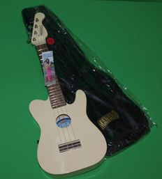 New Soprano ukulele with bag, electro-acoustic, white telecastermodel