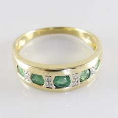 18 kt gold ring with 0.40 ct emerald and 0.03 ct octagonal cut diamonds - ring size 18 mm (56)