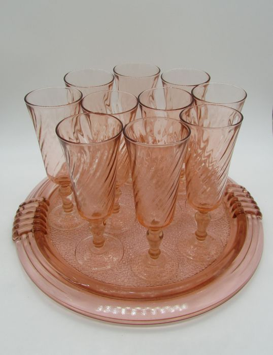 10 champagne flutes + pink glass tray
