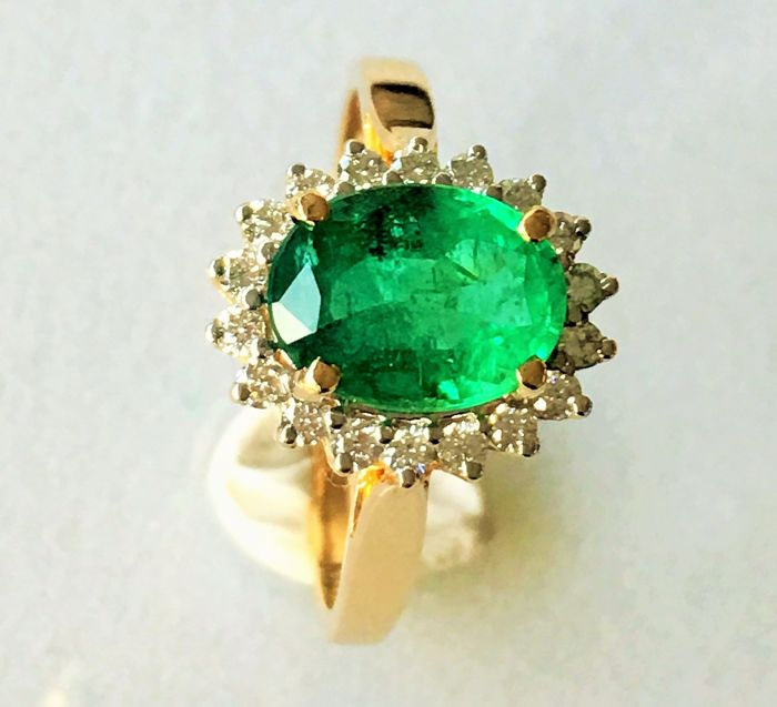 Gold ring with diamonds & Emerald - Size 54