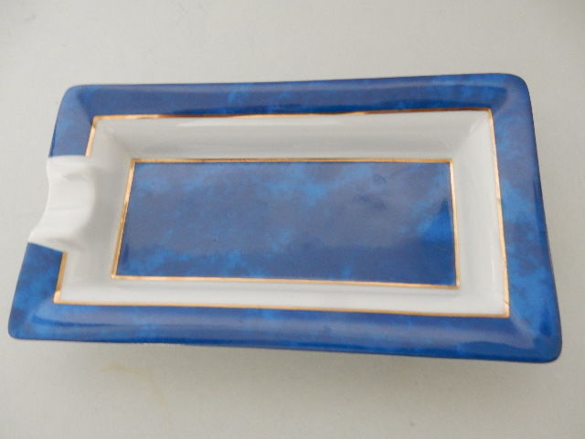 S.T. DUPONT PARIS - Beautiful Limoges Porcelain Ashtray - Blue - White and Gold - Limited Edition - 20th Century - France