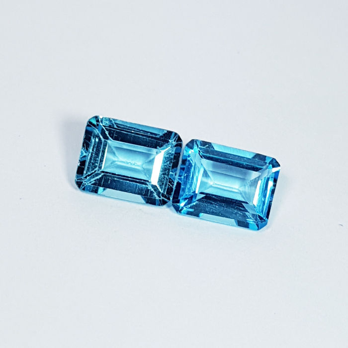 Pair of Swiss Blue Topaz - 5.70 ct