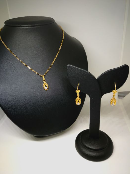 Set of earrings and necklace of 18 kt (750) gold - 43 cm - Zirconia