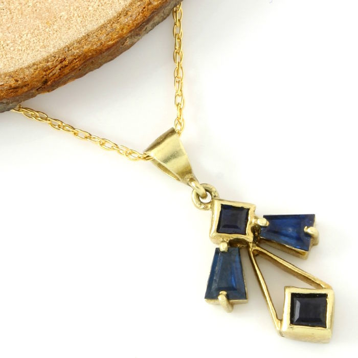 No Reserve Price - 14kt Yellow Gold 0.75 ct Sapphire Pendant Necklace - 45 cm