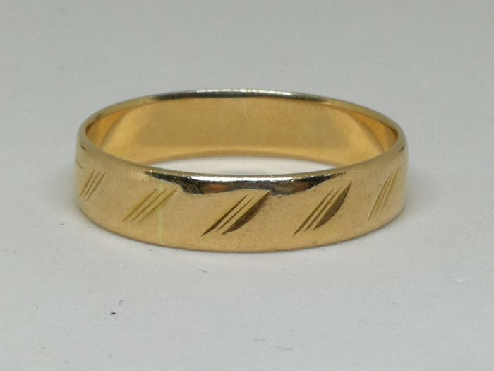 Wedding ring in 18 kt (750) yellow gold - Size 25