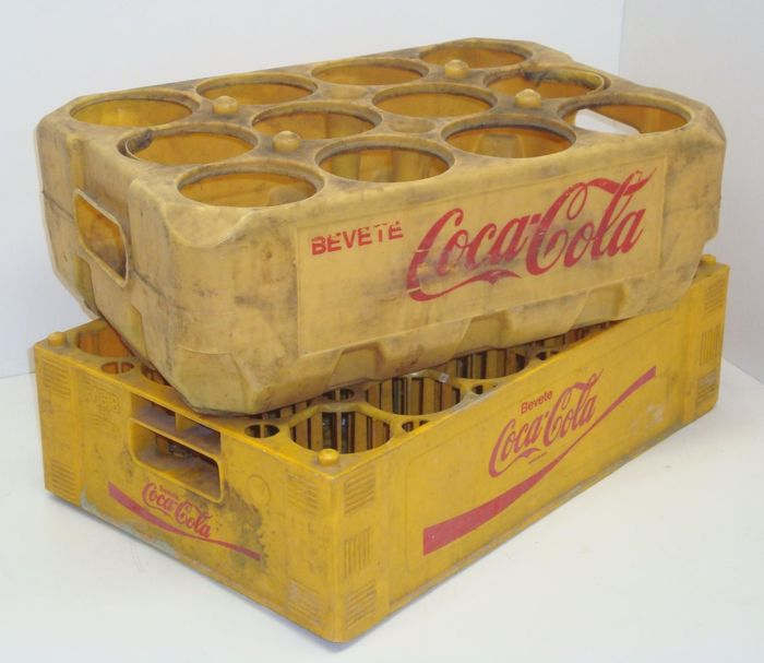 2 rare hard plastic boxes (Moplen) for Coca Cola bottles. production year: 1973