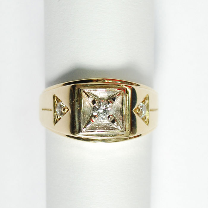 New hand made, man gold ring made 18 kt. yellow gold with 0.45 carat natural diamonds / No Reserve Price