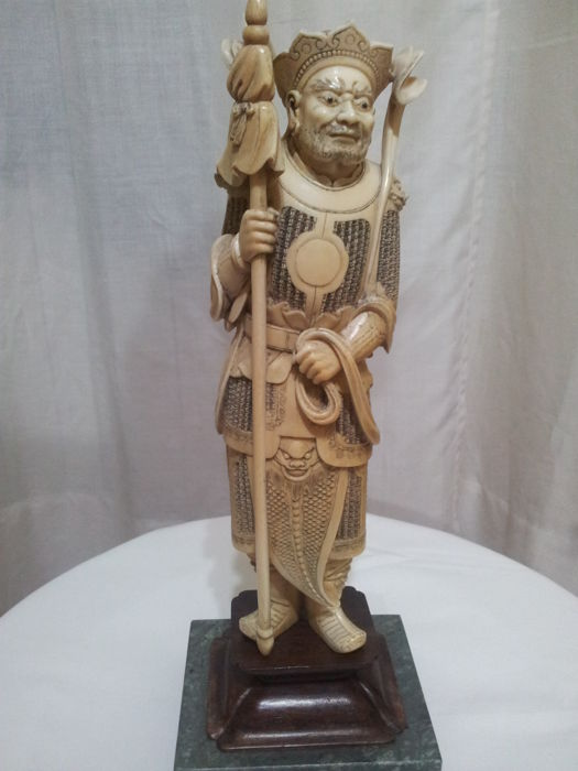 Warrior sculpture in ivory - China - 19th century