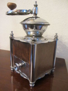 Unique coffee grinder chrome plated (2.2 kg)