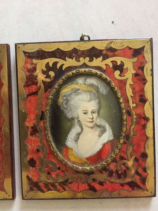 Pair of miniature portraits with depiction of Napoleon and a