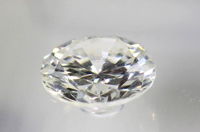 AIG Sealed Diamond - 0.33 ct - F, SI1
