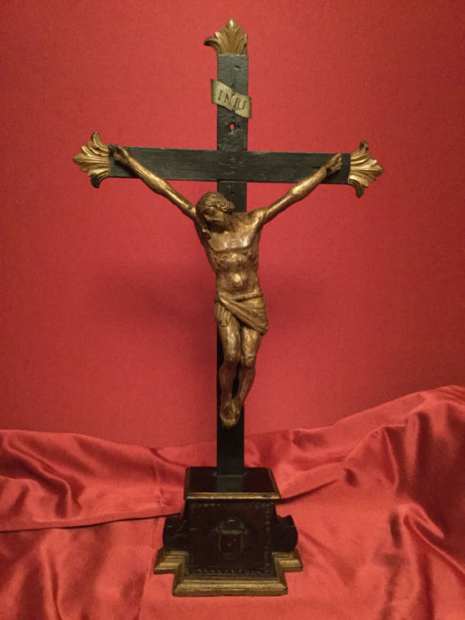 Polychrome and gilt wood crucifix, with base - Italy, 18th century