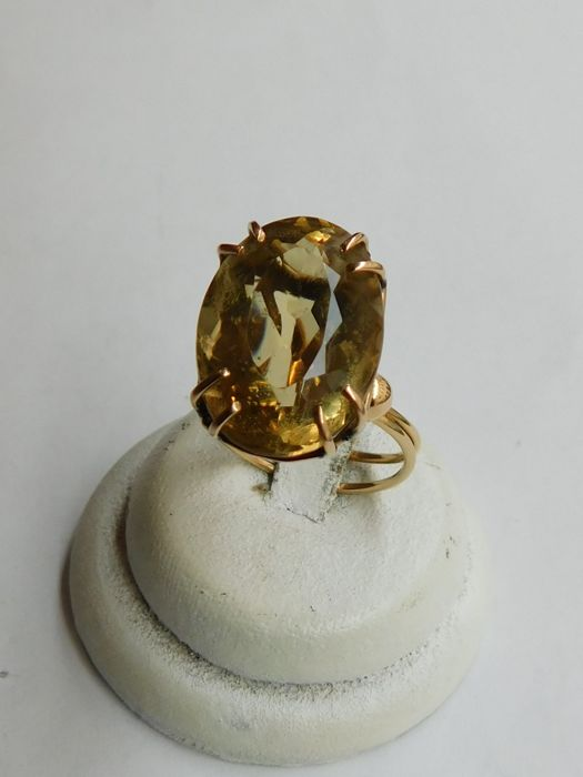 18 kt yellow gold ring with citrine quartz, approx. 8 ct, 7.2 g