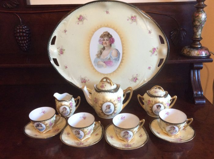 Art Nouveau, porcelain cabaret porcelain tea set  for 4 persons