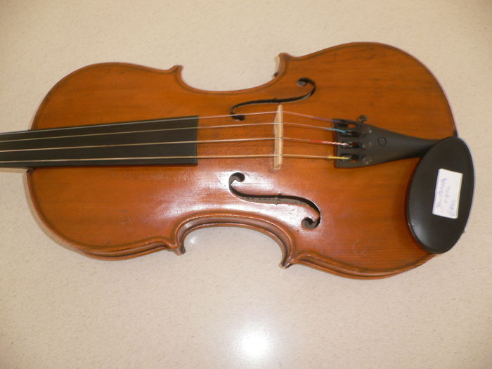 Beautiful Bohemian 4/4 violin with a Jan Basta label inside, nice full sound