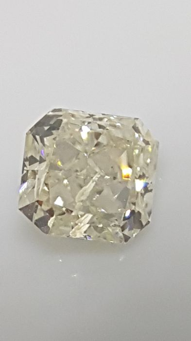 1.01 ct - Radiant - White - G / SI2