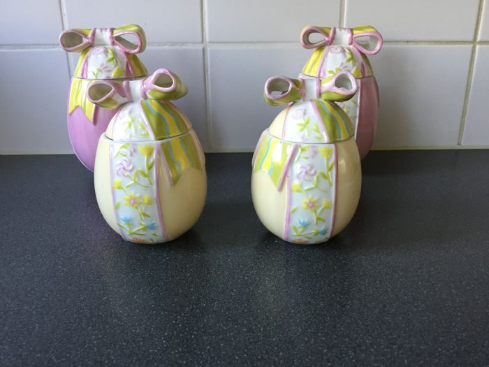 Villeroy and Boch porcelain Easter eggs, 4 pieces