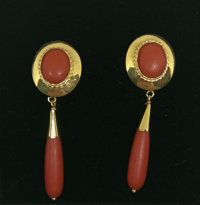 Earrings of 18 kt (750) gold - Red coral - 4.5 cm