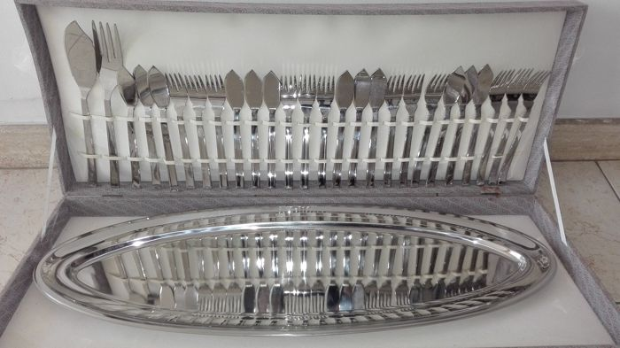 """""""Giori"""" fish cutlery for 12 with tray"""