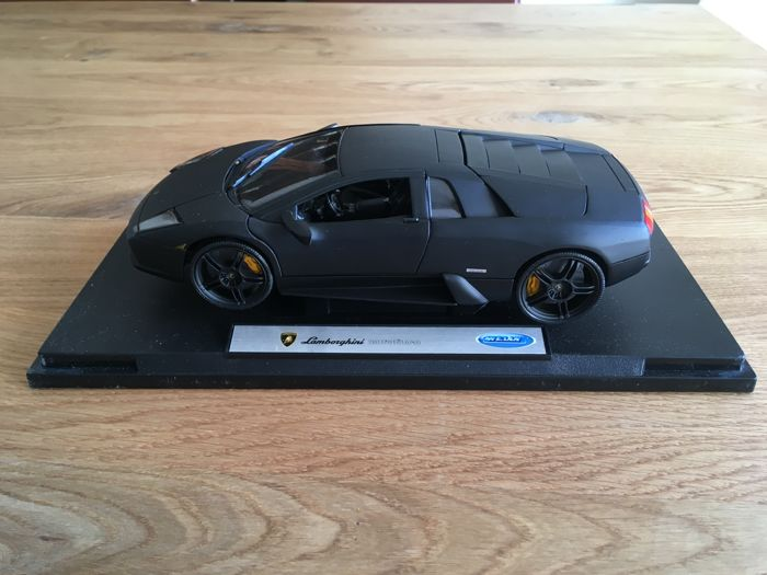 Welly Scale 1 18 Lamborghini Murcielago Colour Matte Black And