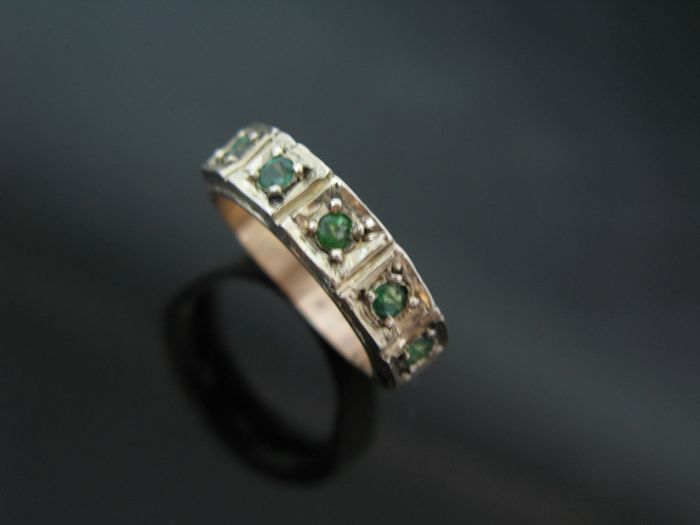 Ring, rose gold 585 and silver 800 set with 5 emeralds round-cut 0,50 ct. +++ no reserve price +++