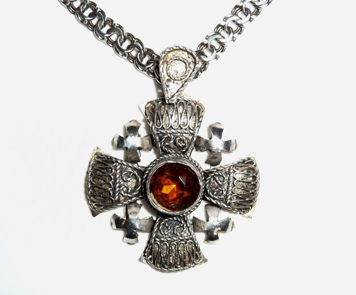 Antique pendant + chain - Jerusalem cross 999 silver with 835 chain handmade, no reserve