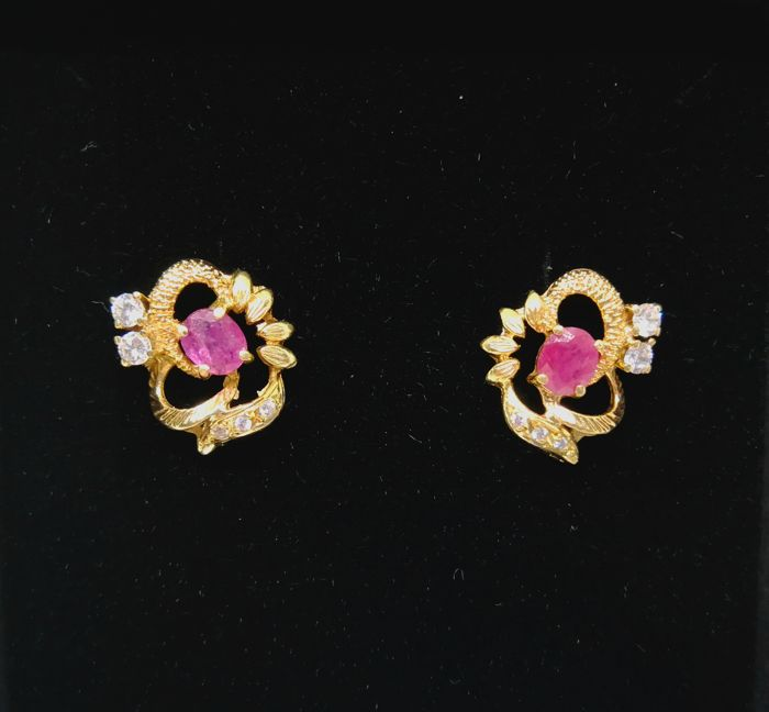 Earrings of 18 kt (750) gold - Synthetic stone