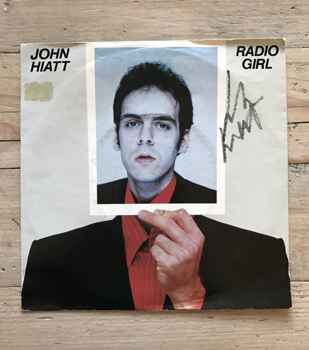 "John Hiatt : signed single ""Radio Girl"""